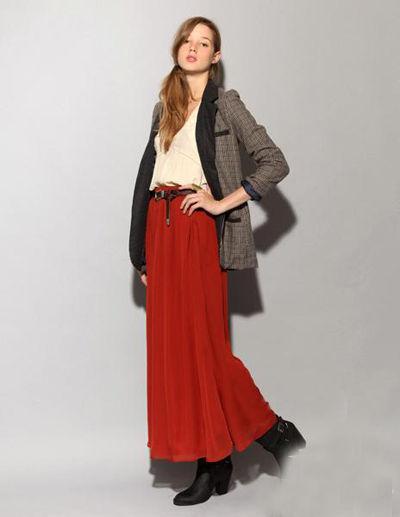 暗红色衣服搭配