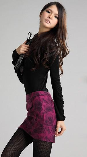 玫瑰图案包臀裙