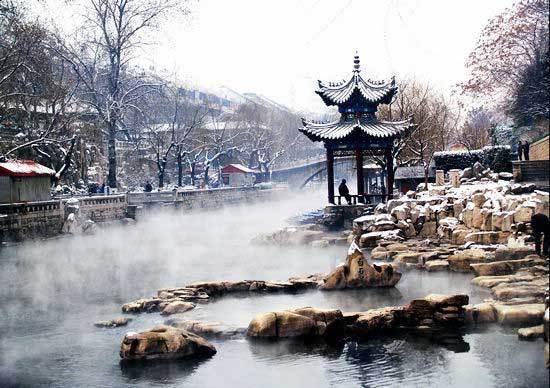 济南城内秀丽多姿的白石泉