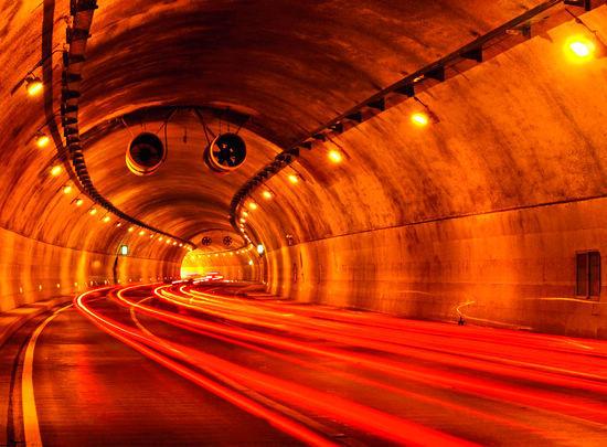 """旅游路的""""咽喉""""――开元隧道"""