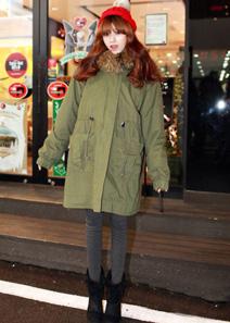 2012爆款搭配:时尚外套+短靴超级抢眼