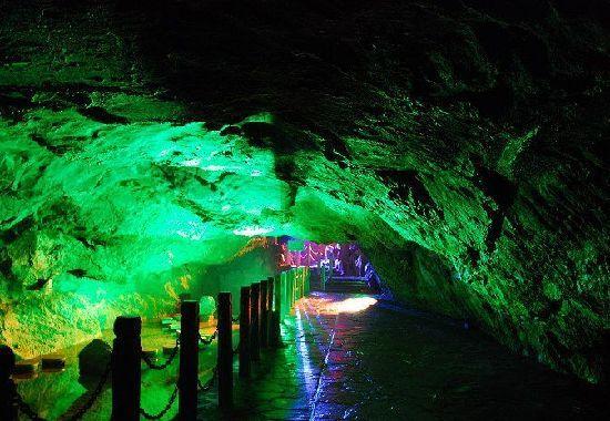 本溪水洞风景名胜区以本溪水洞为主体,融山,水,洞,泉,湖,古人类文化