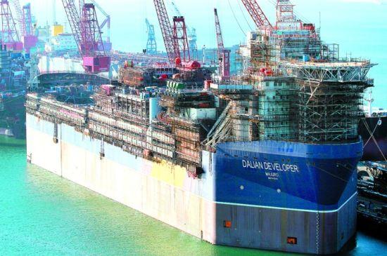 去年8月,大船集团自主研发设计的ds300系列自升式钻井平台建造完毕并