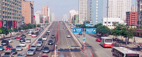 长江街路口很顺畅