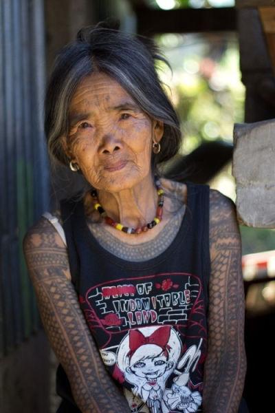 最后一位卡加林纹身艺术家