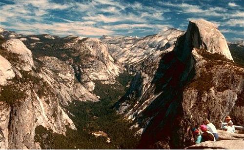 美国加利福尼亚州约塞米蒂国家公园顶峰