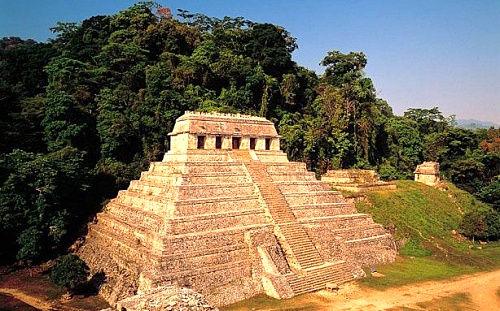墨西哥帕伦克丛林金字塔