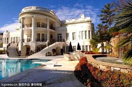 美国亚特兰大,山寨版白宫内的泳池。