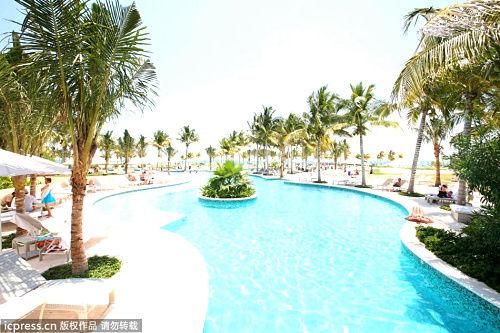 墨西哥Playa del Carmen,度假胜地的泳池。
