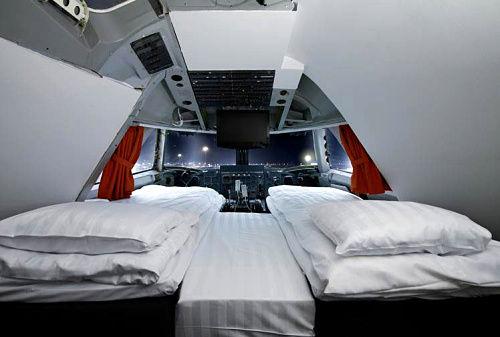在瑞典,可以睡在747飞机的驾驶舱中。