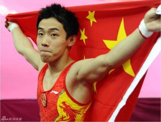 中国的邹凯以15.933分成功卫冕