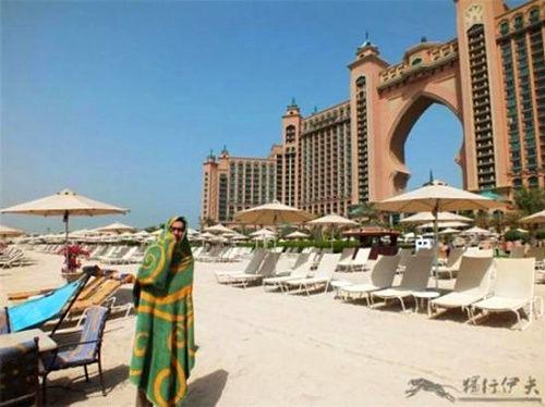 """迪拜是一个""""抢钱""""的国度,探秘住一夜要20多万的客房长啥样?"""