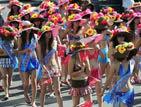 葫芦岛千人比基尼巡游破世界记录