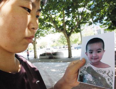 在妈妈韩翠玲的眼中,博博是那么可爱、懂事