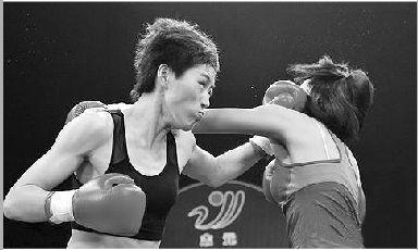 庄河女孩17秒击倒泰国拳王