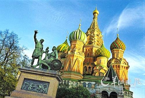 莫斯科红场上的圣瓦西里大教堂 洪芳/CFP