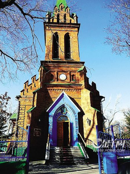 布市随处可见的教堂