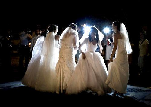 越来越多的新娘参与其中