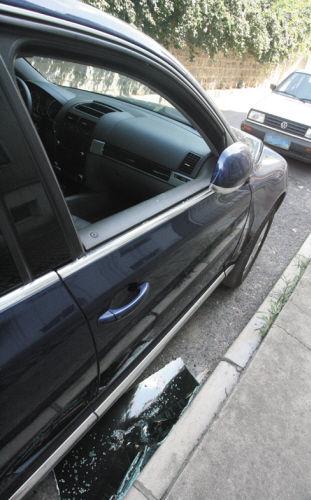 车内没有放财物的,小偷还进行了报复