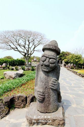 新浪旅游配图:石头多的济州岛 摄影:JESIANA