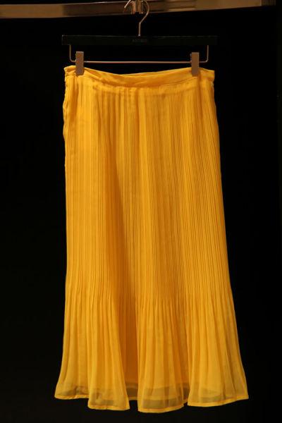 黄色雪纺长裙 269元