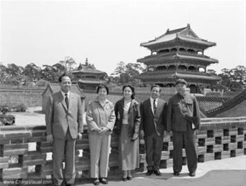 1969年,西哈努克(右二)访问沈阳时留影。 资料片