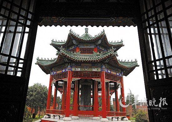 河南商丘古城建于明朝正德六年(公元1511年),是国内保存较好的古城之一 王颂 摄