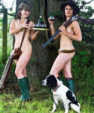 英国24名村妇拍全裸日历纪念亡友