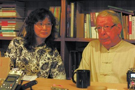 马悦然(右)和妻子陈文芬