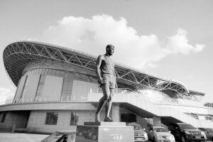 东北大学刘长春体育馆以中国奥运第一人刘长春的名字命名,体育馆外立有刘长春塑像