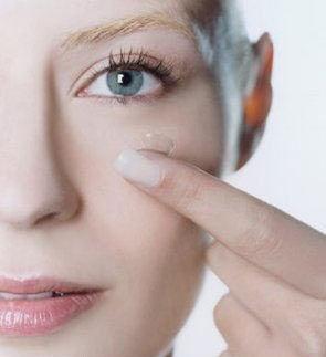 过量用双眼皮贴 会让眼部皮肤松弛