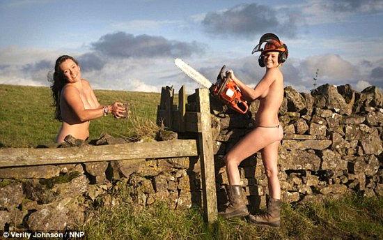 英国女骑手裸体出镜