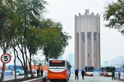 沈阳站西广场老水塔修复完成