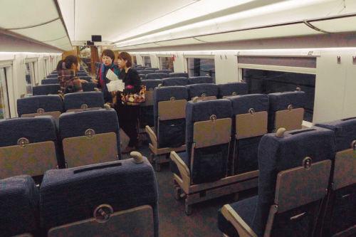 高铁车厢内部