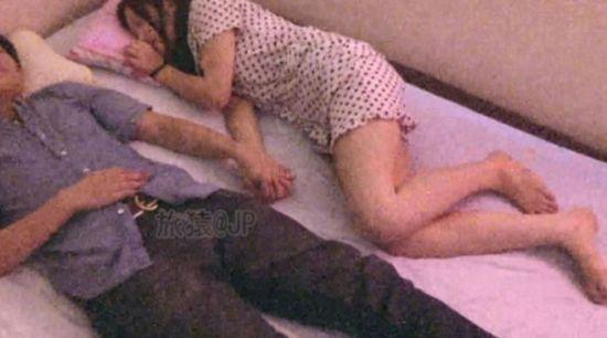 手牵手式陪睡手牵手式陪睡