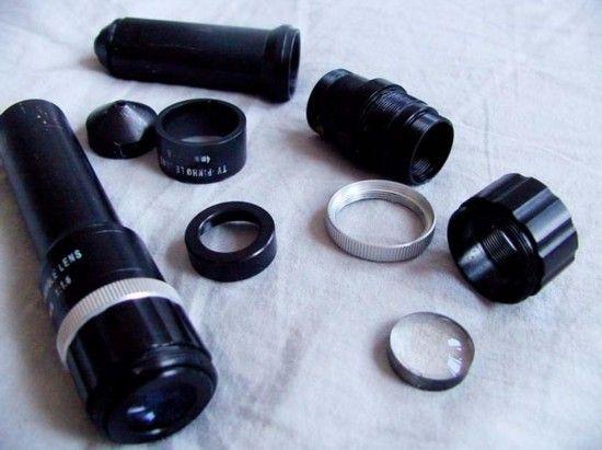 图为针孔摄像机。
