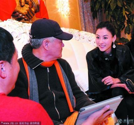 """日前,赵本山在某节目录制现场透露,张柏芝将加盟2013年的辽视春晚。而对于自己的爱徒黄圣依,赵本山却说:""""她肯定没法儿跟我合作上春晚。"""""""