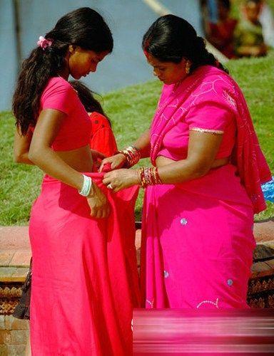 毫不拘束的印度女人(点击更多高清美图)