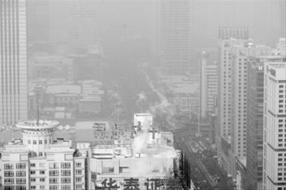 雾霾天气在沈阳创造了众多商机。 本报见习记者 孙海摄