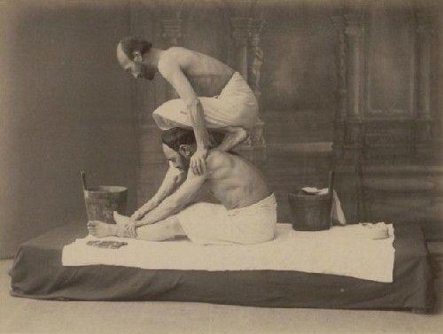 浴场老照片曝光!看百年前男人们如何做spa