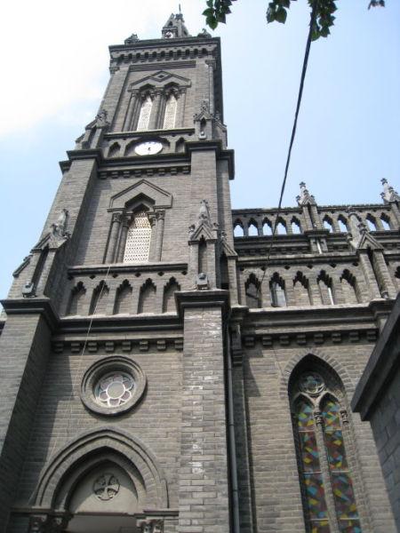 南关教堂属于哥特式