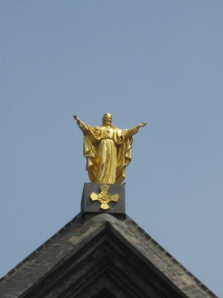 南关教堂顶部