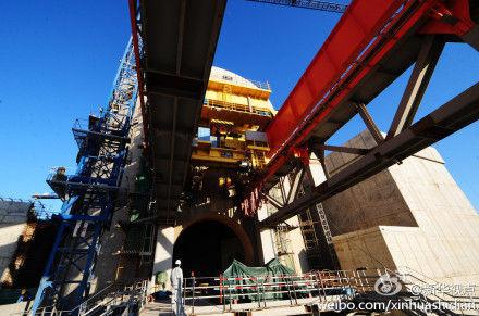 图为2010年已开始进行设备安装工程的辽宁红沿河核电站1号机组核岛。