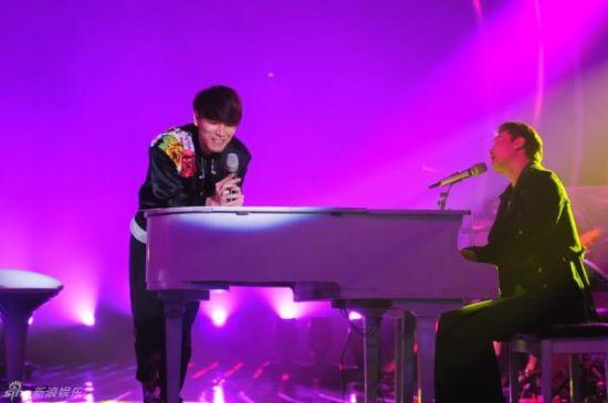 杨宗纬与知名音乐人李泉带来了《我要我们在一起》