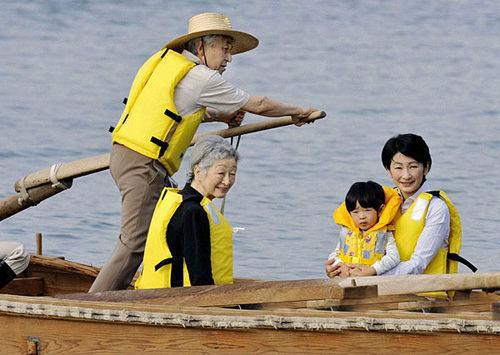 日本天皇:度假别墅归国家