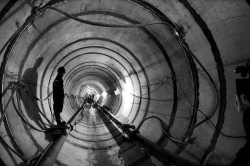 827米电缆隧道 穿河而过 金廊及浑南部分空中线缆将拆除
