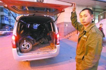 刘先生的电动车5月13日被盗,昨日刘先生通过gps定位找到了丢失的电动