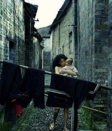 张曼玉最出位半裸写真。
