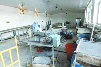 建昌县农贸市场上用于制作干豆腐的工业碱。本组图片由辽沈晚报、北国网记者吴怀宇 摄