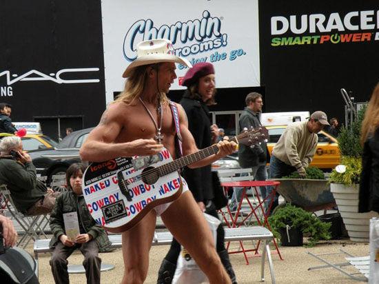 牛仔弹吉他